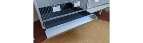 New model spill gutter hanging from the drawer